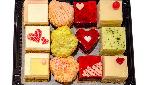 Feed 03 02 2015 lamponis st valentines cakes resize