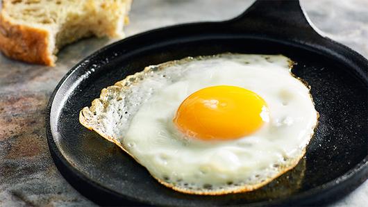 Feed perfect fried egg recipe hero landscape 19vd8ni 19vd8nv