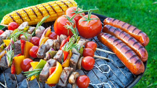 Feed food on the grill