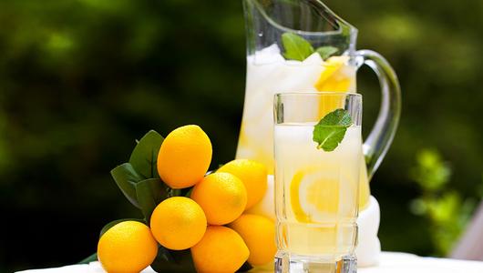 Feed lemonade e juice