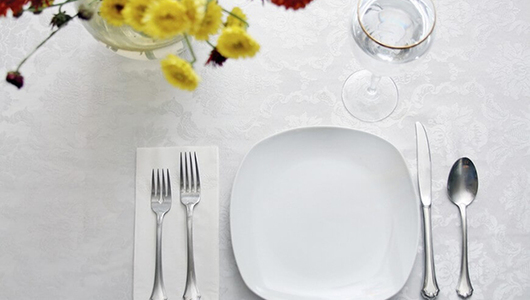 Feed 10 table setting designs 870x579