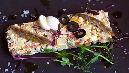 Feed ensalada rusa s maslinami i anchousami plp