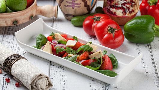 Feed salat iz svezhego shpinata 2
