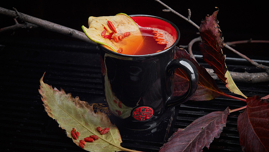 Feed mulled wine with fruit wine and goji berries kitayskaya gramota 3