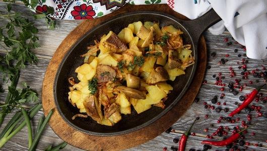 Feed kartofel  s gribami