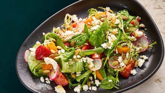 Feed taste salat immuna s fruktami i syrom nadugi